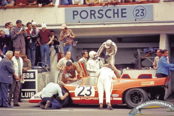 Porsche 917K no 23 - Richard Attwood - Hans Herrmann