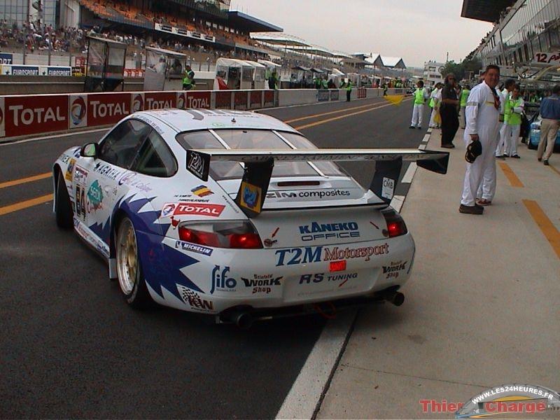 24 heures du Mans 2003 Vanina Ickx repart des stands